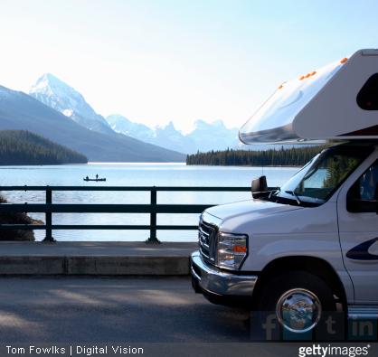 Pourquoi ne pas faire le tour des grands lacs italiens en camping-car ? / Source image : gettyimages
