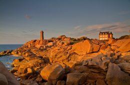 Un coucher de soleil sur les côtes de Bretagne